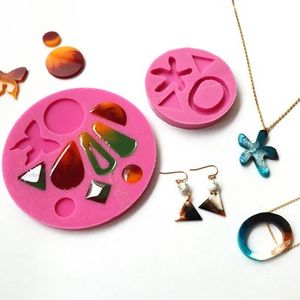 Silicone Mould Making & Resin Casting Workshop (2 in 1)