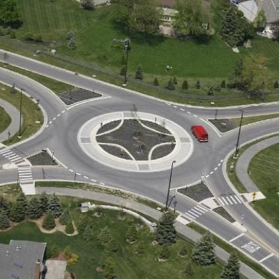 Driving on Major Roundabouts