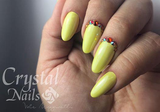 Corso BASE GEL - Primo Livello Crystal Nails Suisse