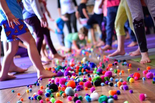 Free Kidding Around Yoga Family Class Perth