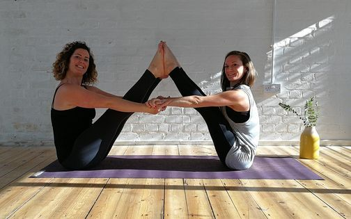 The Kutumba Class!! Yoga, Inversions (ALL levels), Nidra, Community., 9 December | Event in Bristol | AllEvents.in