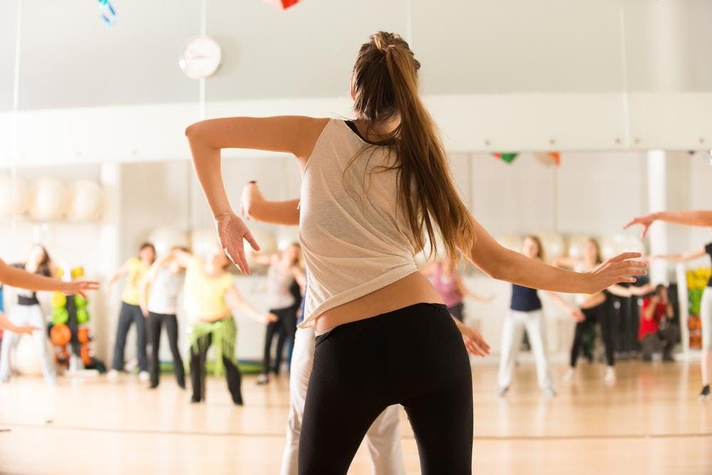 Adelgazar bailar zumba gratis