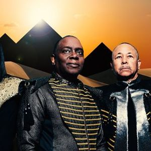 Live at the Garden Earth Wind & Fire