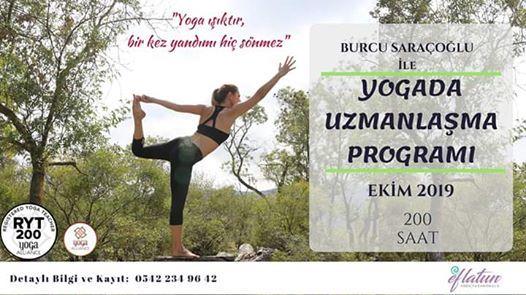 Burcu Saraolu le Yogada Uzmanlama Program
