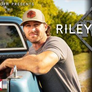 Riley Green at The Crossing At Big Creek in Dothan AL