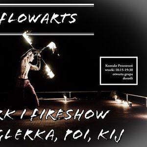 FlowArts Cyrk i Fireshow. onglerka poi kij