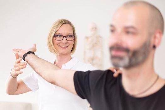 Nacken- und Schulterschmerzen selbst behandeln, Am Kampe 3..