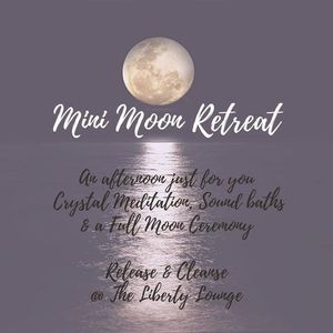 Mini Moon Retreat