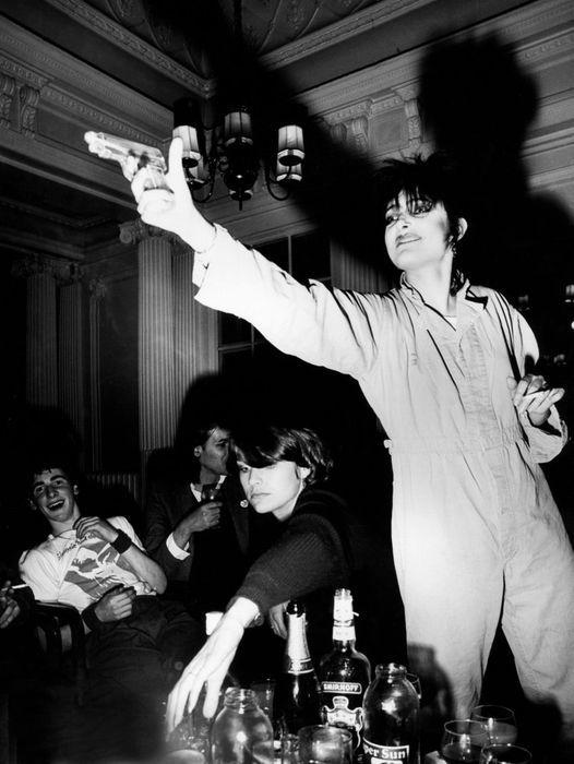 HEROES (1972-1996) Party   1 év kihagyás után újra! (Post-punk / darkwave / new wave and more)   AllEvents.in