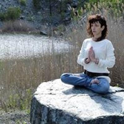 Claudia Roselli - Rudra Vina Shanti Yoga