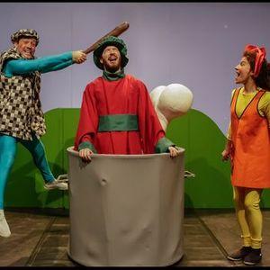 O fantasma das melancias  Companhia de Teatro de Almada