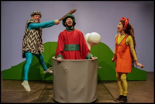 O fantasma das melancias | Companhia de Teatro de Almada, 22 May | Event in Almada | AllEvents.in