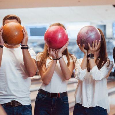 Good Food Sunday Bowling and Burgers Social