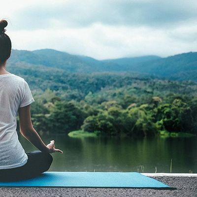 Online Yoga with Danem