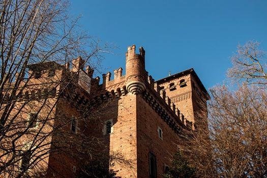 Tour Guidato Borgo Medievale E Valentino Apericena In