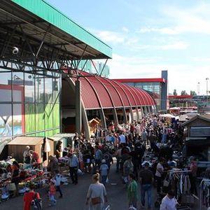 Flohmarkt bei hagebau in Lbeck