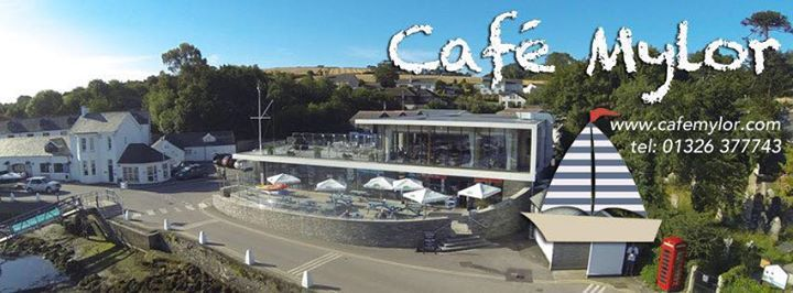 Whippletree play the Cafe Mylor.