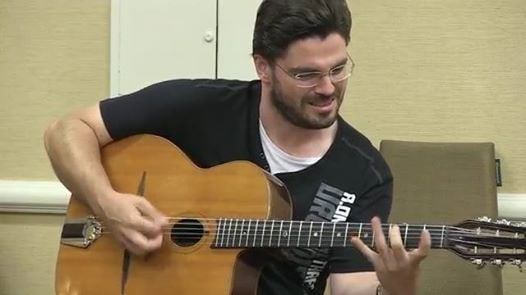 Joscho Stephan -nastpca Django Reinhardta zagra w S. Klasztorze