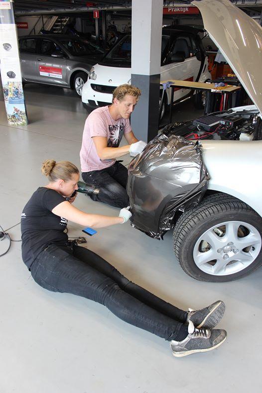 Praktijktraining Car Wrapping