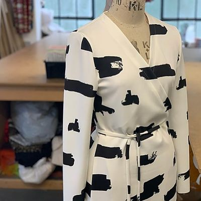 Beginners Sewing Sewing with stretch - Wrap Dress