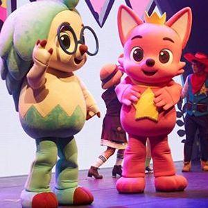 Pink Fong Baby Shark Live Musical
