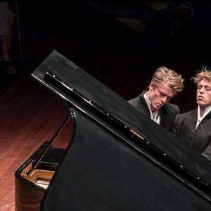 Amsterdam Sinfonietta Lucas & Arthur Jussen  TivoliVredenburg