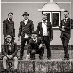 Babylove & The Van Dangos - VEGA