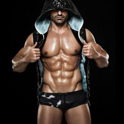 Hunk-O-Mania Male Revue - Male Strippers Show in Kenner LA - Bachelorette Party Heaven