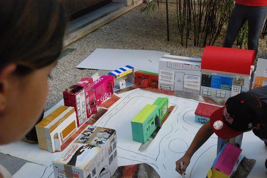 Desenhar a Cidade. Exercícios sobre Arquitetura e Urbanismo | Visita animada/atelier para famílias, 15 May
