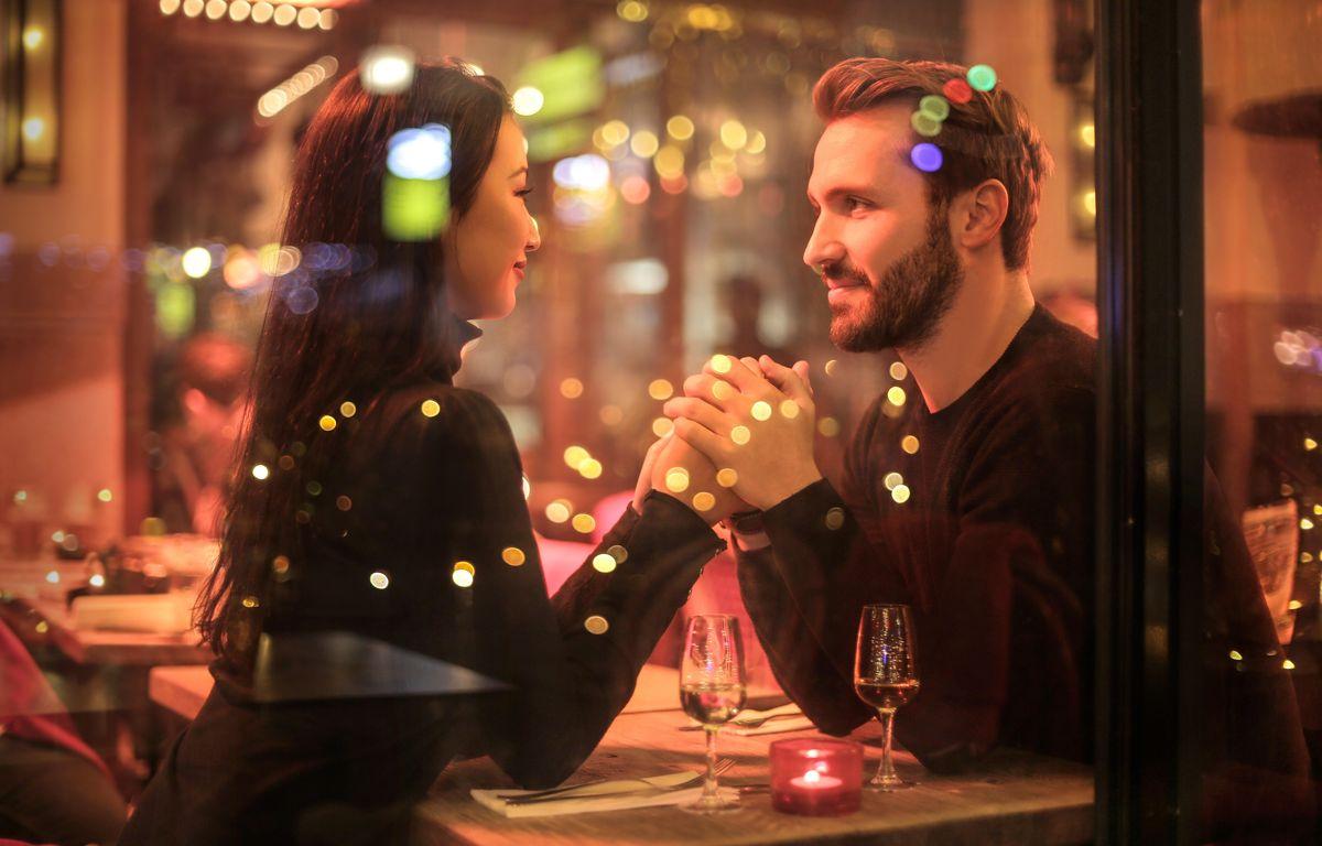 ##### Salem eller Speed Dating Dating en kort svart man. Salem