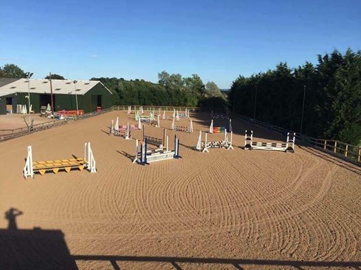 Indoor arena hire with course of fences
