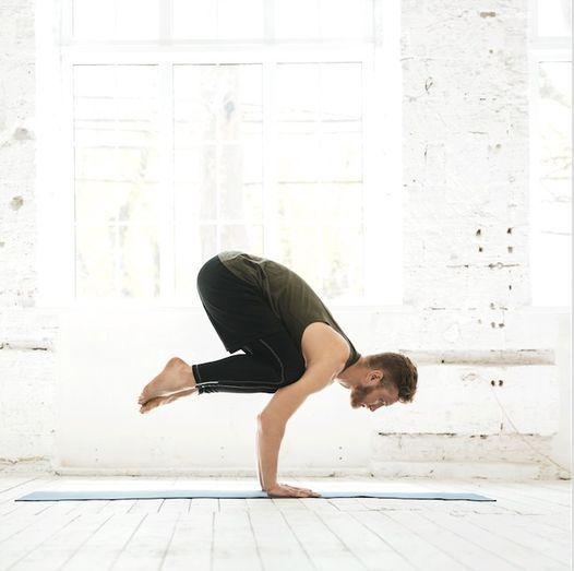 Strong yoga vinyasa les lundis sur Zoom, 26 April   Event in Levallois-Perret   AllEvents.in