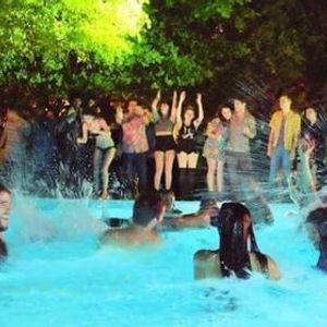 Night Pool Party 2021