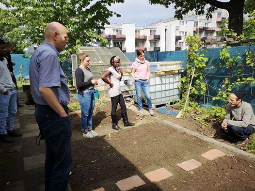 Garden Party At The Tannenbusch House