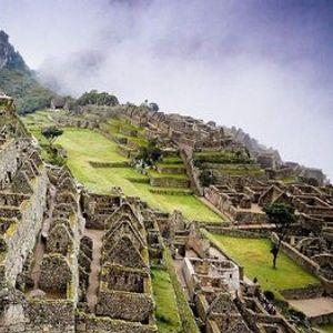 A Virtual Guided Tour of the Machu Picchu