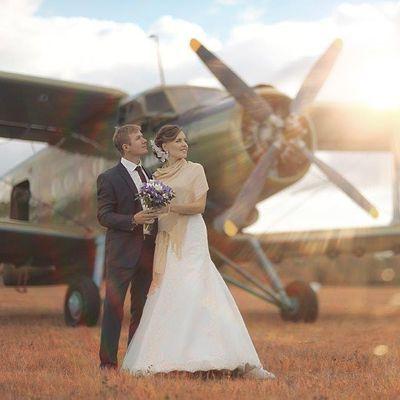 Winter Wedding Fair at Hangar One
