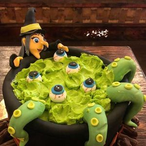 Creepy Cauldron Cake Decorating Class SOLD OUT