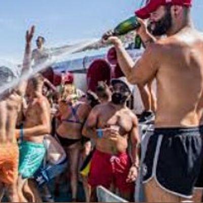 ALL-INCLUSIVE  BOAT PARTY in MIAMI SOUTH BEACH