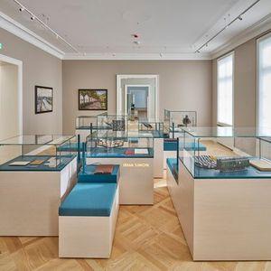 Wir sind jetzt Fhrung durch die neue Dauerausstellung im Jdischen Museum