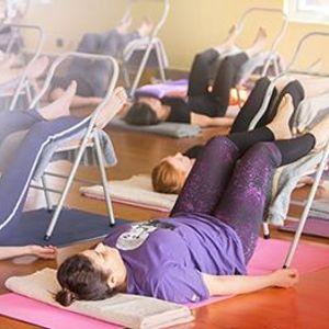 20h thc hnh Yoga AN TON vi dng c h tr