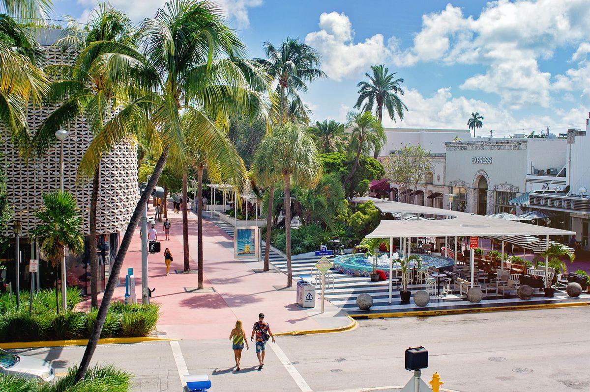 Miami Beach Transcending Mall