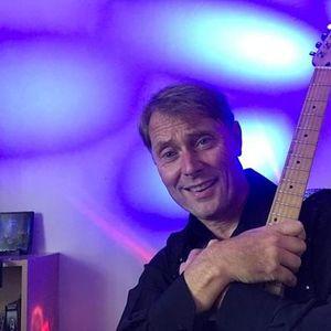 Gary Benjafield sings at The RBL Hornchurch