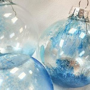 Alcohol Inks Workshops  with Holiday Ornaments